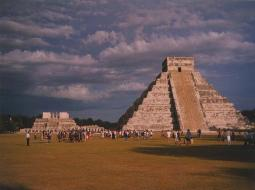 yucatan tour bus easy mexico chichen itza zona archeologica